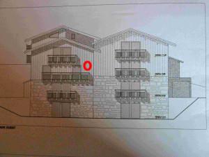 011 Rochette : Appt B, Studio, Maison A